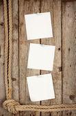 Tre vit etikett fäst knappar — Stockfoto
