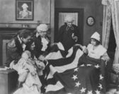 Admiring the Betsy Ross flag — Stock Photo