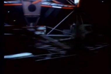 Montage der vergnügungspark fahrten — Stockvideo