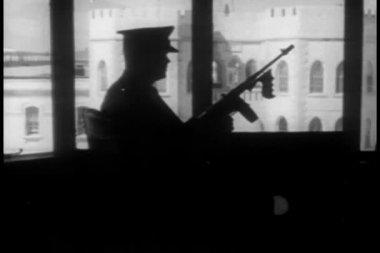Vista del patio de la prisión de la torre de la seguridad — Vídeo de Stock