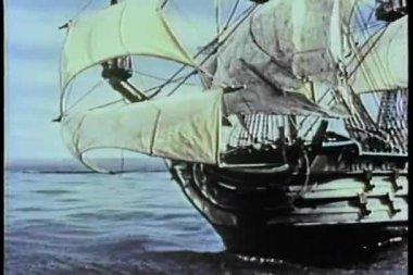 Xix века корабль удары подводные скалы и опрокидывания — Стоковое видео