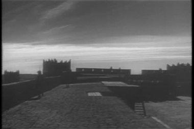 Historical Reenactment Moroccan soldiers ambush Foreign Legion at citadel — Stock Video