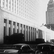 View of courthouse with parking lot in front at Los Angeles, California, USA — Stok Video #26643653