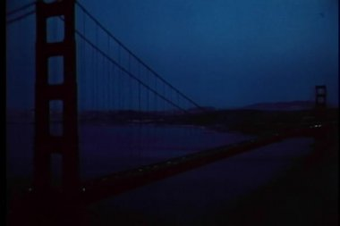 Nachtansicht der golden gate bridge, san francisco, kalifornien — Stockvideo