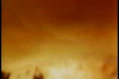 Blazing fire in full swing — Stock Video