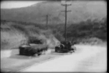 Ponto de vista de dentro carro viajando por estrada do país — Vídeo stock