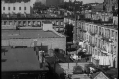 Vysoký úhel pohledu z třicátých let new yorku byt střechy — Stock video