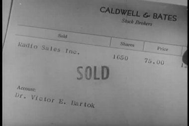 Close-up of stock broker's invoices — Stock Video