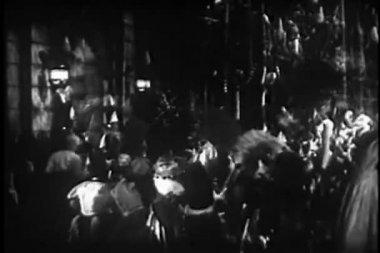 Crowd gathering to celebrate Mardi Gras — Stock Video