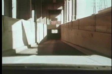Punktu widzenia jazdy przez tunel — Wideo stockowe
