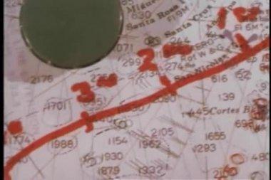 与路由映射平移海图的镜头 — 图库视频影像