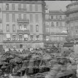 Wide shot soldiers marching through city — Vídeo Stock