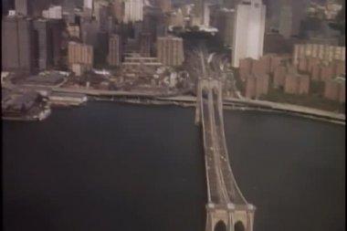 Manhattan skyline helikopter havadan görünümü — Stok video