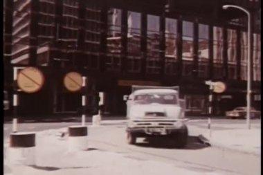 Ofis Binası yukarı kaydırmak — Stok video