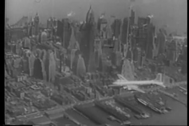 Aerial view Of New York City in the 1940s — Stock Video