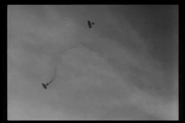 Historical reenactment World War I downed airplane falling out of sky — Stock Video