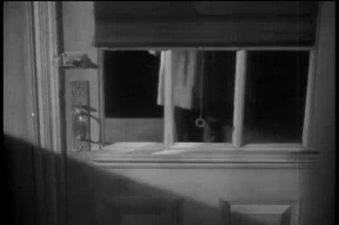 Torso of man opening door — Stock Video