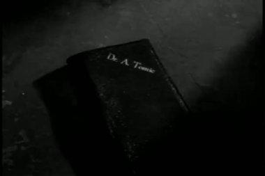 特写手捡钱包 — 图库视频影像
