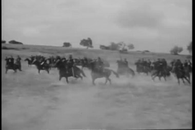 Soldiers and bandits exchanging gunfire — Stock Video