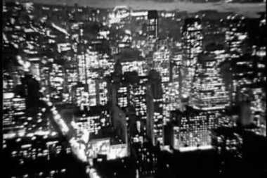 Aerial view of New York City at night, 1930s — Stock Video