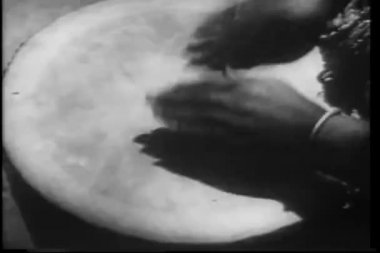 Close-up hands beating drum — Stock Video