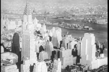 Aerial view of Manhattan and the Chrysler Building — Stock Video