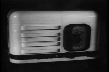 Close-up 1940s radio — Stock Video