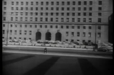 Establishing shot of administrative building — Wideo stockowe