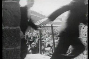 Crowd running through street — Stock Video