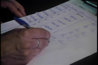 Close-up of hand duplicating signature — Vidéo