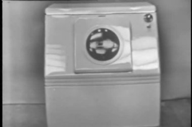 Vintage washing machine — Stock Video