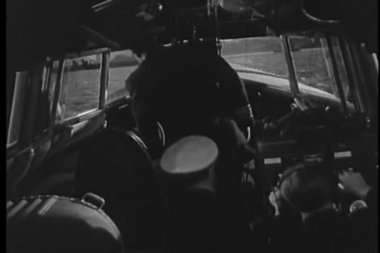 Seaplane pilot and co pilot getting into their seats — Stockvideo