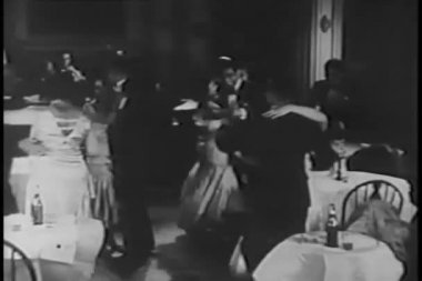 Couples dancing in night club — Αρχείο Βίντεο