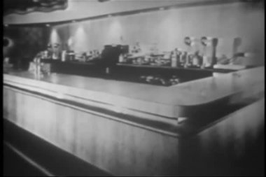 Empty counter in vintage diner — Стоковое видео