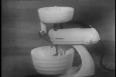 Vintage electric mixer — 图库视频影像