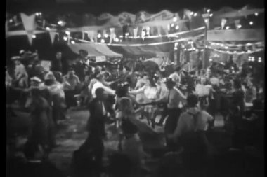 People dancing at state fair — Wideo stockowe