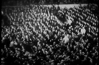 Spectators, madison square garden — Стоковое видео