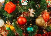Kerst ornamenten op de boom — Stockfoto