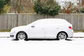 Carro na neve — Fotografia Stock