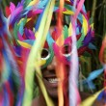 Colorful Rio Carnival Smiling Brazilian Man in Mask — Stock Photo