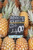 Fresh Whole Pineapple Fruits at Farmers Market Brazil — Stock Photo