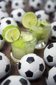 Iki limon caipirinhas brezilyalı futbol topları — Stok fotoğraf