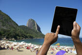 Brazilian Hands Using Tablet at Sugarloaf Rio de Janeiro Brazil — Stock Photo