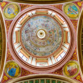 Beautiful colored dome of the basilica — Stock Photo