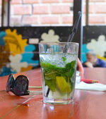 Mojito cocktail on the bar — Stock Photo