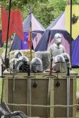 帐篷和装甲 — 图库照片