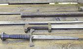 Stål medeltida svärd — Stockfoto