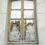 Old window broken — Stock Photo
