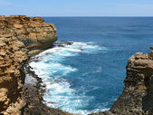 The Seaside with rocky formation and surf. Great Ocean Road, Australia, Victoria, National park. — Stock Photo
