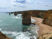 Australia. Twelve apostles on Great Ocean Road from flaky limestone. — Stock Photo